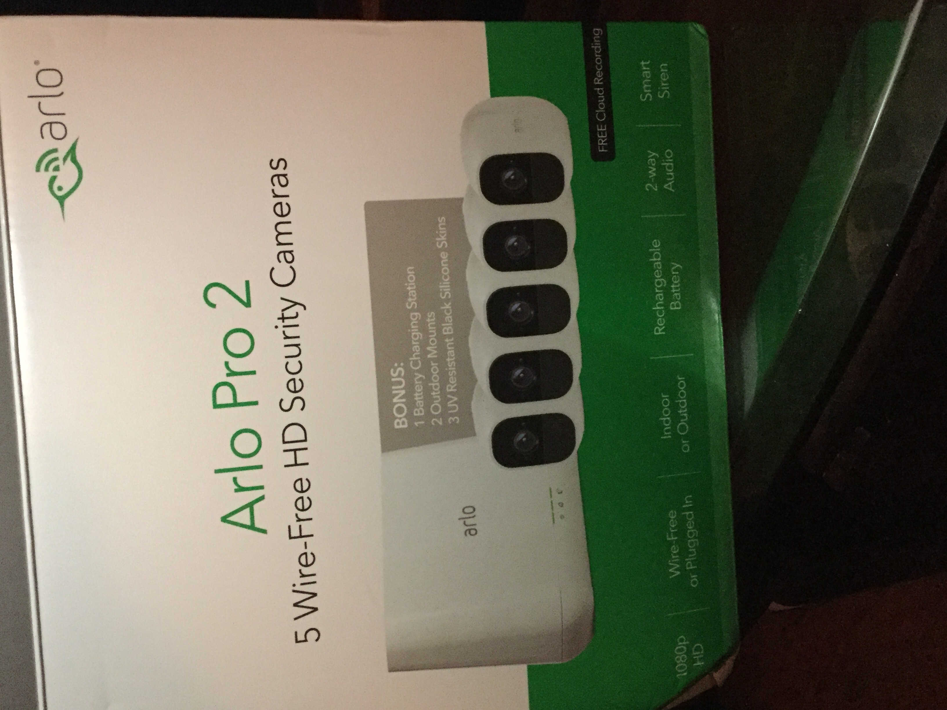 Solved: Re: ARLO PRO 2 battery doesn't charge in Arlo char